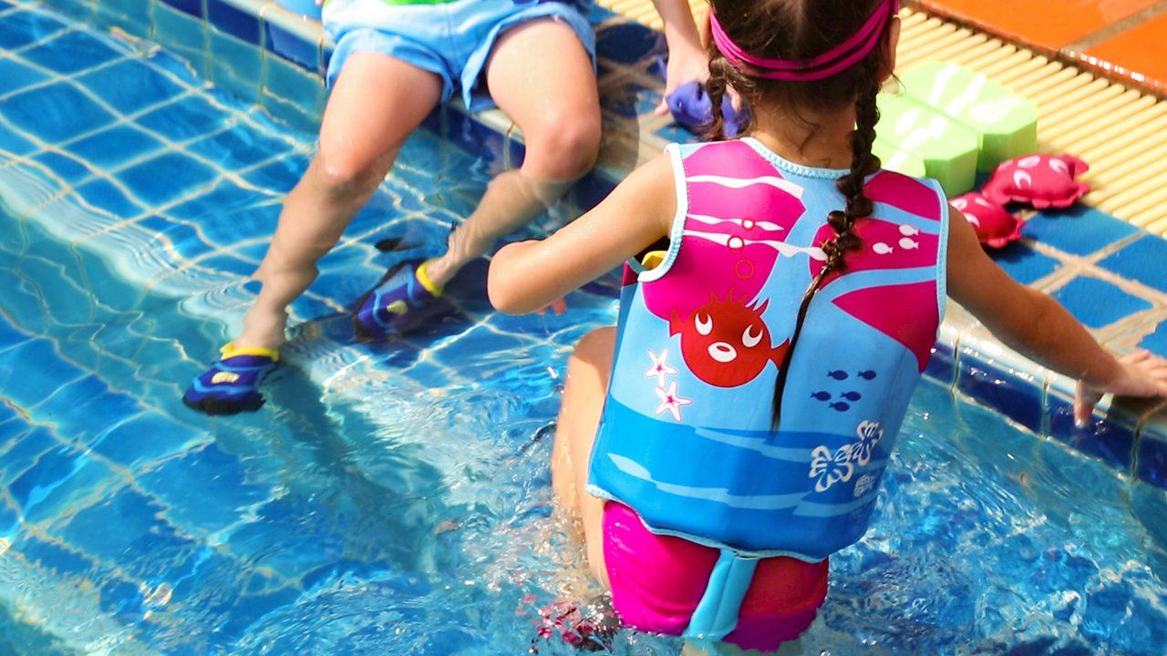 Die Schwimmweste für kleine Schwimm-Starter